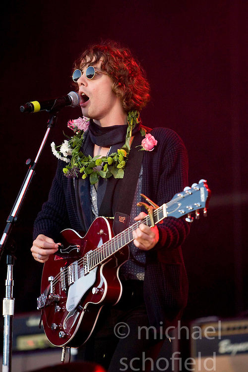 Johnny Borrell of Razorlight headline on the main stage at Rockness, Sunday 8th June 2008..Pic © Michael Schofield. All Rights Reserved.