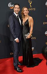 David Schwimmer & Zoe Buckman bei der Verleihung der 68. Primetime Emmy Awards in Los Angeles / 180916<br /> <br /> *** 68th Primetime Emmy Awards in Los Angeles, California on September 18th, 2016***
