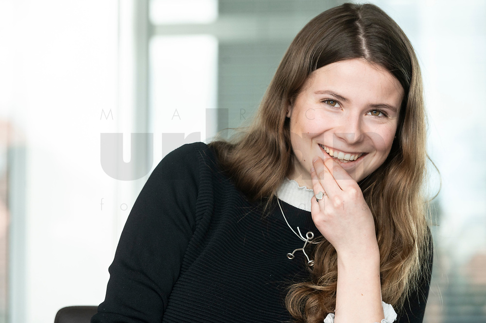 12 MAR 2020, BERLIN/GERMANY:<br /> Luisa Neubauer, Klimaschutzaktivistin, Fridays for Future, waehrend einem Interview, Redaktion Rheinische Post<br /> IMAGE: 20200312-01-066