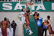 DESCRIZIONE : Siena Lega A 2013-14 Montepaschi Siena Umana Venezia<br /> GIOCATORE : Benjamin Ortner<br /> CATEGORIA : schiacciata sequenza<br /> SQUADRA : Montepaschi Siena<br /> EVENTO : Campionato Lega A 2013-2014<br /> GARA : Montepaschi Siena Umana Venezia<br /> DATA : 11/11/2013<br /> SPORT : Pallacanestro <br /> AUTORE : Agenzia Ciamillo-Castoria/GiulioCiamillo<br /> Galleria : Lega Basket A 2013-2014  <br /> Fotonotizia : Siena Lega A 2013-14 Montepaschi Siena Umana Venezia<br /> Predefinita :