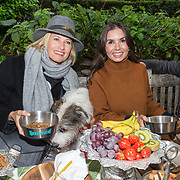 NLD/Blaricum/20191004 - Lancering hondenmerk Kluif van Rosanna Kluivert, Anouk Smulders en Rosanna Kluivert