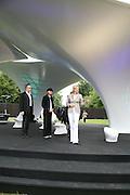 Hans Ulrich Olbrist, Julia Peyton-Jones and Nadja Swarovski.  Serpentine Gallery. Lilas an installation by Zaha Hadid architects. 11 July 2007.  -DO NOT ARCHIVE-© Copyright Photograph by Dafydd Jones. 248 Clapham Rd. London SW9 0PZ. Tel 0207 820 0771. www.dafjones.com.