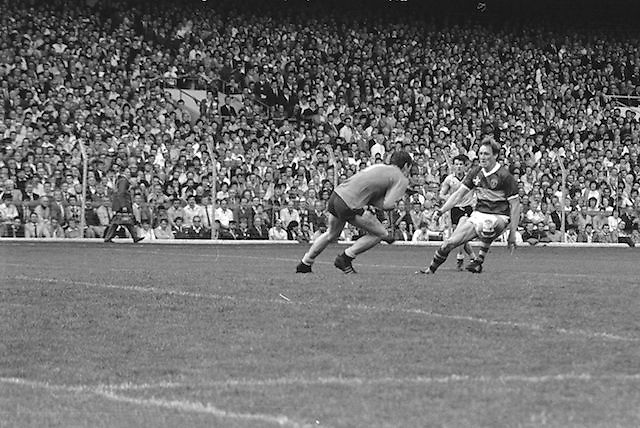 Dublin player attempts to get past Kerry during the All Ireland Senior Gaelic Football Championship Final Kerry v Dublin at Croke Park on the 22nd September 1985. Kerry 2-12 Dublin 2-08.