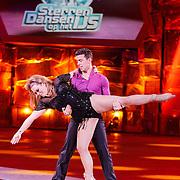 NLD/Hilversum/20130105 - 2de Liveshow Sterren Dansen op het IJs 2013, Antje Monteiro en danspartner Ryan Schollert