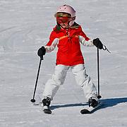 AUD/Lech/20110219 - Fotosessie Nederlandse Koninklijke Familie 2011 op wintersport in Lech, Alexia