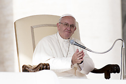 October 19, 2016 - Vatican City, Vatican - Pope Francis attends his weekly general audience in St. Peter's Square at the Vatican, Wednesday, October 19, 2016. (Credit Image: © Massimo Valicchia/NurPhoto via ZUMA Press)