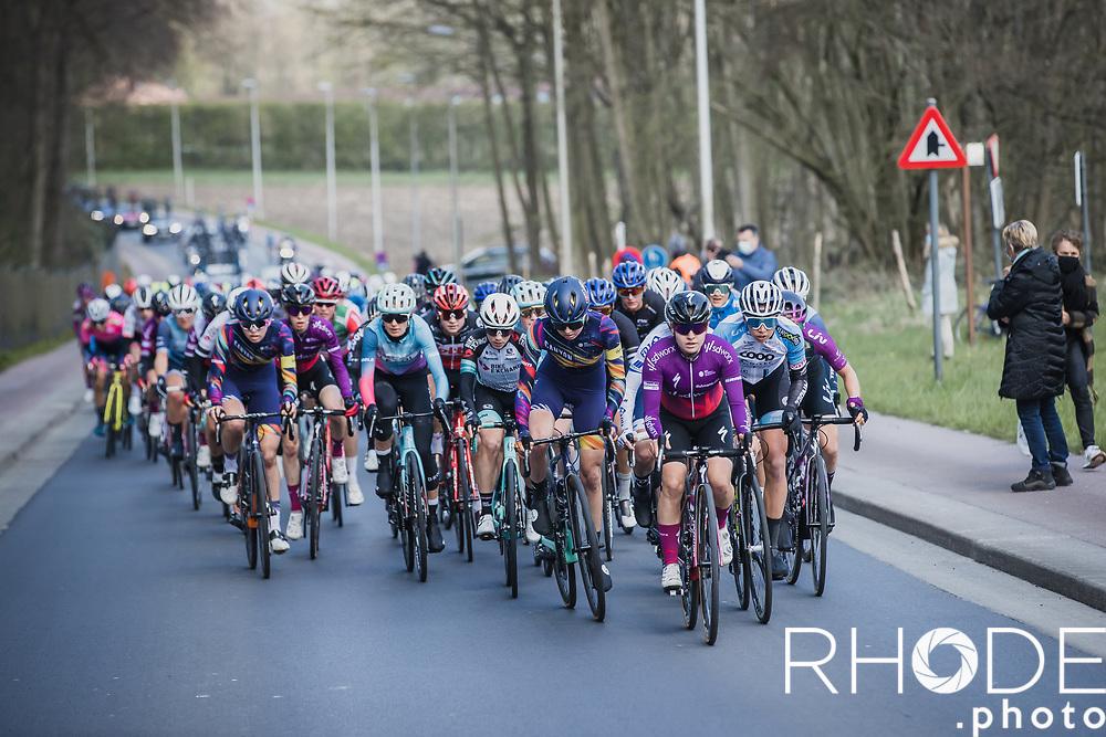 peloton up the Bruineput.<br /> <br /> Women's Elite Brabantse Pijl 2021 <br /> 1 Day Race: Lennik - Overijse 127km<br /> <br /> ©Rhode.Photo