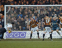 Photo: Leigh Quinnell.<br /> Luton Town v Hull City. Coca Cola Championship. 04/02/2006. Lutons Chris Coyne heads home his goal.