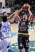 DESCRIZIONE : Campionato 2014/15 Serie A Beko Dinamo Banco di Sardegna Sassari - Upea Capo D'Orlando<br /> GIOCATORE : Sandro Nicevic<br /> CATEGORIA : Tiro<br /> SQUADRA : Upea Capo D'Orlando<br /> EVENTO : LegaBasket Serie A Beko 2014/2015<br /> GARA : Dinamo Banco di Sardegna Sassari - Upea Capo D'Orlando<br /> DATA : 22/03/2015<br /> SPORT : Pallacanestro <br /> AUTORE : Agenzia Ciamillo-Castoria/L.Canu<br /> Galleria : LegaBasket Serie A Beko 2014/2015