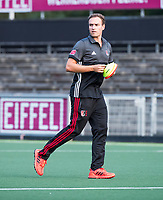 AMSTELVEEN - coach Rick Mathijssen (A'dam) tijdens de training van de dames van Amsterdam (AH&BC) voor de eerste competitiewedstrijd. COPYRIGHT KOEN SUYK