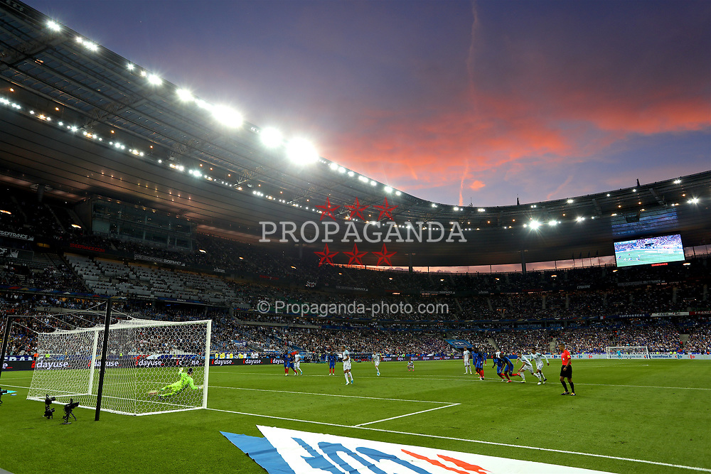 PARIS, FRANCE - Tuesday, June 13, 2017: England's captain Harry Kane scores the second goal against France from the penalty spot during an international friendly match at the Stade de France. (Pic by David Rawcliffe/Propaganda)