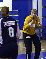 27.09.2003 Belgrade(Serbia), handball<br /> Serbia&Montenegro-Norge friendly match<br /> Norwegian goalkeeper Cecilie Leganger return back after longer pause.<br /> Photo:Aleksandar Djorovic, Digitalsport