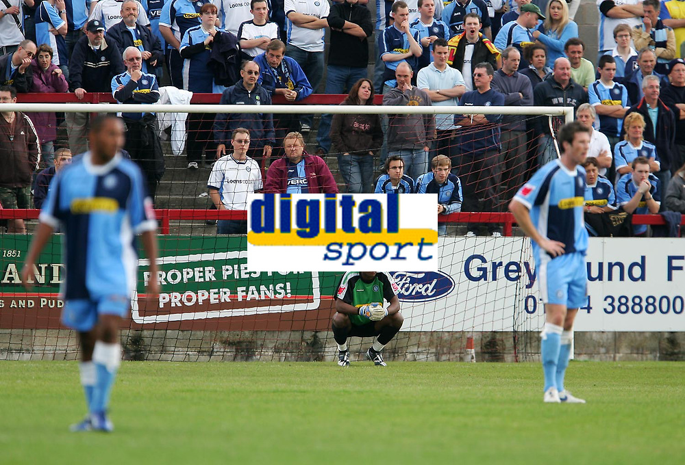 Photo: Andrew Unwin.<br />Accrington Stanley v Wycombe Wanderers. Coca Cola League 2. 30/09/2006.<br />Wycombe look dejecting having conceded a goal in the 92nd minute.
