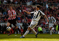 Photo: Jed Wee.<br />Sunderland v Newcastle United. The Barclays Premiership. 17/04/2006.<br /><br />Newcastle substitute Albert Luque makes it 4-1.