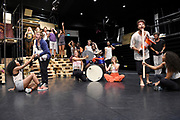 Open repetitie HAIR in de studio van Stage Entertainment.<br /> <br /> op de foto:  Cast met o.a. Cast: William Spaaij , Anouk Maas  , Jeffrey Italiaander, Juneoer Mers  , Tommie Christiaan , Lisanne Schut en<br /> Raffaëla Paton