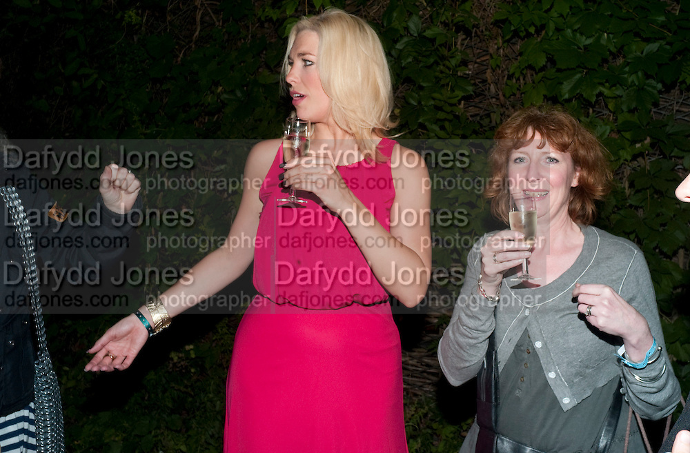 HANNAH WADDINGHAM WITH HER AGENT AMANDA EVANS Press night for Into the Woods. Regents Park Open air theatre. London. 16 August 2010. -DO NOT ARCHIVE-© Copyright Photograph by Dafydd Jones. 248 Clapham Rd. London SW9 0PZ. Tel 0207 820 0771. www.dafjones.com.