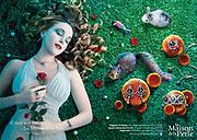 Photographie publicitaire d'une jeune fille endormie pour un catalogue du bijoutier La Maison de le Perle à Nouméa.