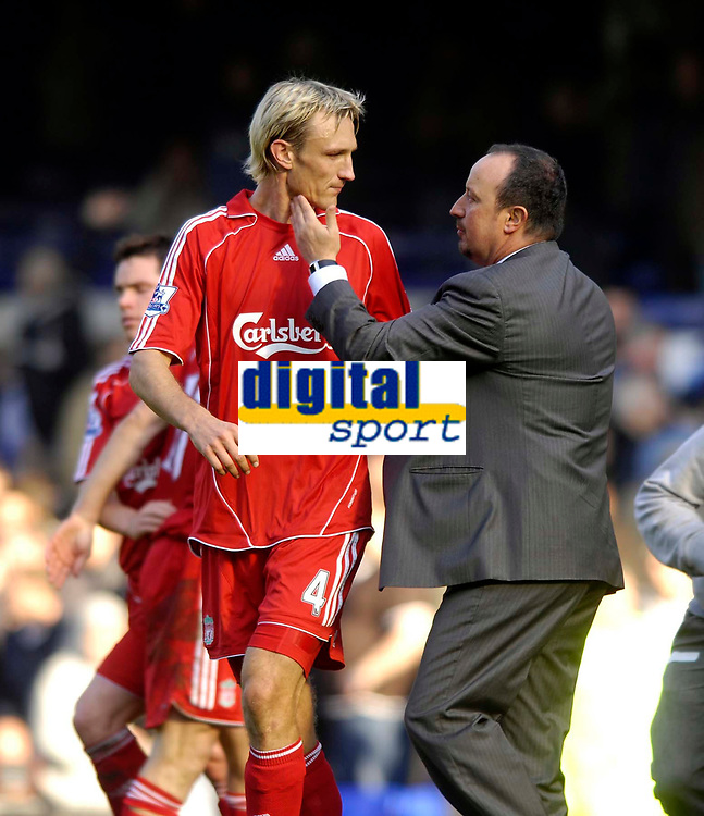 Photo: Jed Wee/Sportsbeat Images.<br /> Everton v Liverpool. The FA Barclays Premiership. 20/10/2007.<br /> <br /> Liverpool manager Rafael Benitez (R) consoles Sami Hyypia after his own goal.