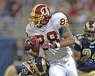 Washington Redskins tight end Robet Royal (89) rushes up field agaisnt St. Louis at the Edward Jones Dome in St. Louis, Missouri, December 4, 2005.  The Redskins beat the Rams 24-9.