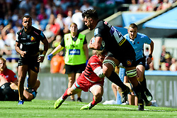 Dave Dennis of Exeter Chiefs makes a break - Mandatory by-line: Ryan Hiscott/JMP - 01/06/2019 - RUGBY - Twickenham Stadium - London, England - Exeter Chiefs v Saracens - Gallagher Premiership Rugby Final