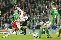 November 9, 2017 - Belfast, Nordirland - Belfast, 09.11.2017, Fussball WM Qualifikation Playoff, Nordirland - Schweiz,Blerim Dzemaili (SUI) gegen Jonny Evans (NIR) (Credit Image: © Pascal Muller/EQ Images via ZUMA Press)