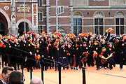 Koningin Beatrix heropent het Rijksmuseum na een verbouwing van bijna tien jaar.<br /> <br /> Queen Beatrix reopens the the Rijksmuseum after renovations of almost ten years.