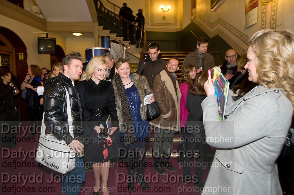 KATHERINE JENKINS AND JOURNALISTS. MATTHEW WILLIAMSON GLANCING OVER, CIRQUE DU SOLEIL LONDON PREMIERE OF VAREKAI. Royal albert Hall. 5 January 2009