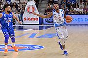DESCRIZIONE : Beko Legabasket Serie A 2015- 2016 Dinamo Banco di Sardegna Sassari - Enel Brindisi<br /> GIOCATORE : MarQuez Haynes<br /> CATEGORIA : Palleggio Schema Mani<br /> SQUADRA : Dinamo Banco di Sardegna Sassari<br /> EVENTO : Beko Legabasket Serie A 2015-2016<br /> GARA : Dinamo Banco di Sardegna Sassari - Enel Brindisi<br /> DATA : 18/10/2015<br /> SPORT : Pallacanestro <br /> AUTORE : Agenzia Ciamillo-Castoria/L.Canu