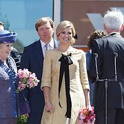 NLD/Veenendaal/20120430 - Koninginnedag 2012 Veenendaal, koninging Beatrix, Willem-Alexander en partner Maxima