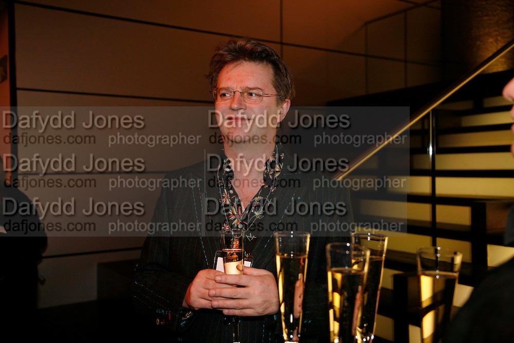 Paul Merton, Freedom of Expression Awards 2006. Bloomberg HQ. City Gate House. Finsbury Sq. London. 22 March 2006. ONE TIME USE ONLY - DO NOT ARCHIVE  © Copyright Photograph by Dafydd Jones 66 Stockwell Park Rd. London SW9 0DA Tel 020 7733 0108 www.dafjones.com