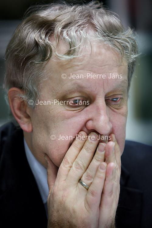 Nederland, Amsterdam , 5 januari 2011..Eberhard Edzard van der Laan (Leiden, 28 juni 1955) is een Nederlands politicus en voormalig advocaat. Momenteel is hij burgemeester van Amsterdam. Hij is lid van de Partij van de Arbeid (PvdA) en was van 14 november 2008 tot 23 februari 2010 minister voor Wonen, Wijken en Integratie in het kabinet-Balkenende IV. Eerder was hij lid van de gemeenteraad van Amsterdam..Foto:Jean-Pierre Jans