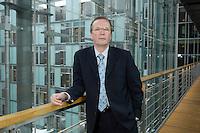 20 JAN 2006, BERLIN/GERMANY:<br /> Dr. Rainer Wend, MdB, SPD, Vorsitzender des Ausschusses fuer Wirtschaft und Arbeit des Deutschen Bundestages, an Jakob-Kaiser-Haus, Deutscher Bundestag <br /> IMAGE: 20060120-01-015