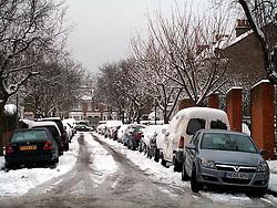 UNITED KINGDOM LONDON 2FEB09 - Snowfall and white landscapes in Queens Park, west London...jre/Photo by Jiri Rezac..© Jiri Rezac 2009