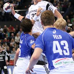 Kiel, 23.12.14, Sport, Handball, Bundesliga, Saison 2014/15, 19. Spieltag, THW Kiel - HSV Handball : Filip Jicha (THW Kiel, #39), Torsten Jansen (HSV Handball, #5), Alexander Feld (HSV Handball, #43)<br /> <br /> Foto © P-I-X.org *** Foto ist honorarpflichtig! *** Auf Anfrage in hoeherer Qualitaet/Aufloesung. Belegexemplar erbeten. Veroeffentlichung ausschliesslich fuer journalistisch-publizistische Zwecke. For editorial use only.