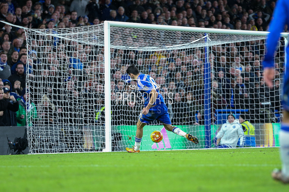 Chelsea's Diego Costa scores the equaliser during the Barclays Premier League match between Chelsea and Manchester United at Stamford Bridge, London, England on 7 February 2016. Photo by Ellie Hoad.