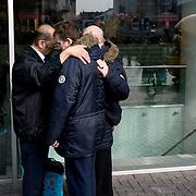 Nederland Rotterdam 15 maart 2008 20080315.straatevangelie op de lijnbaan in centrum Rotterdam. Samen bidden..Foto David Rozing