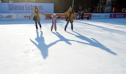 THEMENBILD - Wiener Eistraum, Eislaufen am Rathausplatz in Wien, das Bild wurde am 25. Jaenner 2012 aufgebommen, im Bild Eislauf Feature, AUT, EXPA Pictures © 2012, PhotoCredit: EXPA/ M. Gruber