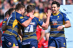 Sam Lewis celebrates his try with team mates - Mandatory by-line: Craig Thomas/JMP - 13/04/2019 - RUGBY - Sixways Stadium - Worcester, England - Worcester Warriors v Sale Sharks - Gallagher Premiership Rugby