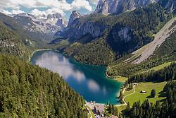 Luftaufnahme von Gosausee mit Dachsteinmassiv, Oesterreich / Aerial View from Gosausee, Lake Gosau with Dachstein mountain range, Austria