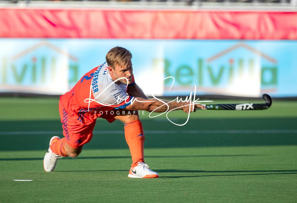 ANTWERPEN -  Jeroen Hertzberger (Ned)  tijdens  de troostfinale mannen om de derde plaats, Duitsland-Nederland (0-4) ,  bij het Europees kampioenschap hockey.  COPYRIGHT KOEN SUYK