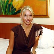 NLD/Eemnes/20060921 - Perspresentatie de Gouden Kooi, Nena