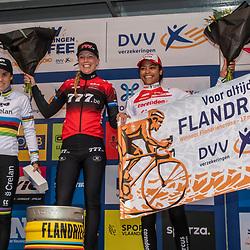 17-11-2019: Wielrennen: Veldrijden DVV cross: Hamme <br />Annemarie Worst wint de Flandriencross, Sanne Cant was second and Ceylin del Carmen Alvarado finished third