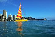 Catamaran, Waikiki Beach, Waikiki, Oahu, Hawaii, USA<br />