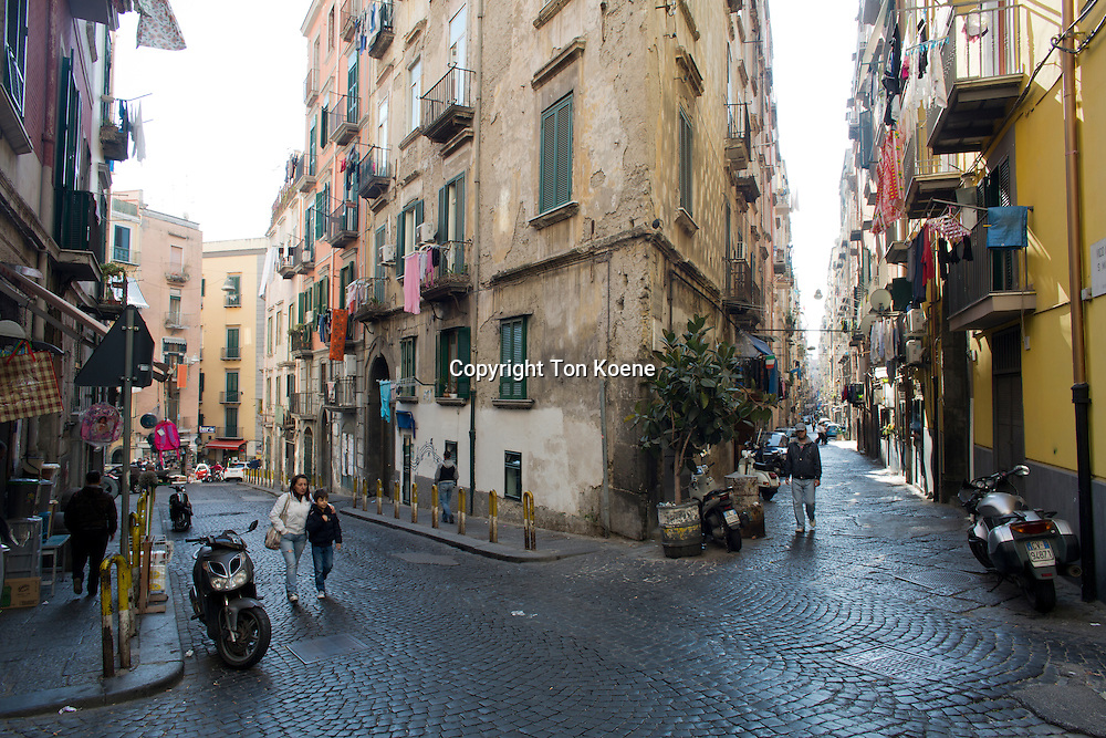 narrow streets in spagnoli area of Naples