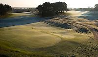 ZANDVOORT - De golfbaan van de Kennemer Golfclub, waar ook in 2008 het Dutch Open voor mannen zal worden gehouden. Op de foto: hole A9 Copyright Koen Suyk