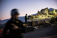 Rescue operation don't sptop during the night, many personons are still missing in Amatrice.