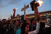 Zócalo de la Ciudad de México, 19 de septiembre de 2011.<br /> Caravana al Sur, 2011. Movimiento por la Paz con Justicia y Dignidad. (Foto: Prometeo Lucero)