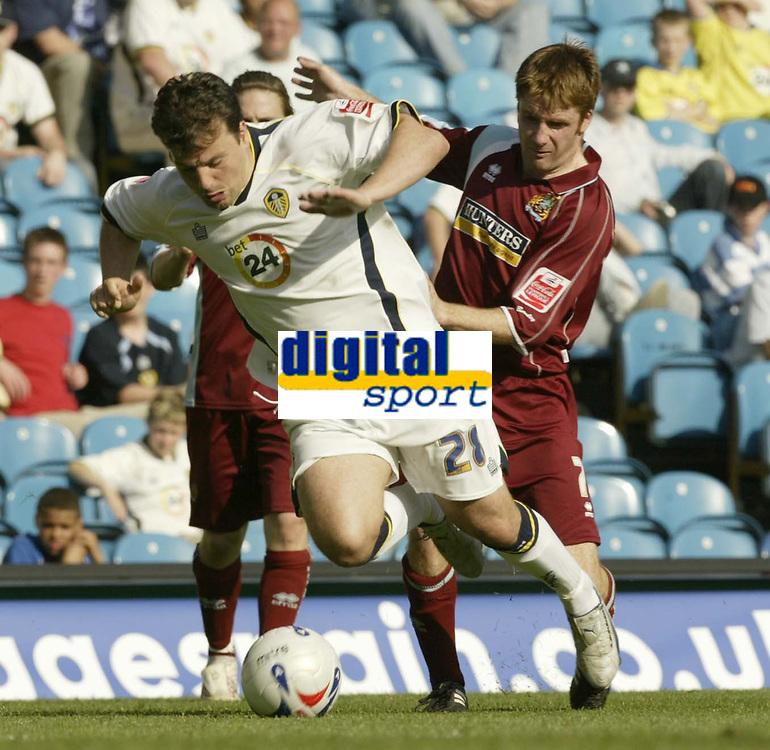 Photo: Aidan Ellis.<br /> Leeds United v Burnley. Coca Cola Championship. 14/04/2007.<br /> Leeds Robbie Blake (L) and Burnley's James O' Connor