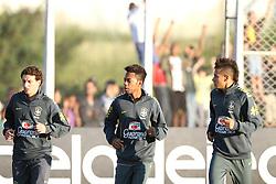 Jogadores da Seleção Brasileira de Futebol, Elano(E), Robinho e  Neymar durante treino no C T do Corinthians, em São Paulo. FOTO: Jefferson Bernardes/Preview.com