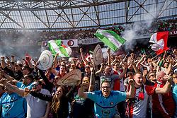 14-05-2017 NED: Kampioenswedstrijd Feyenoord - Heracles Almelo, Rotterdam<br /> In een uitverkochte Kuip pakt Feyenoord met een 3-1 overwinning het landskampioenschap / Support publiek fans